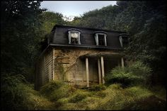 Houses to Avoid on Halloween: The Little House in the Woods