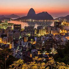 A vida é muito curta pra não curtir as belezas do #Rio!  #boanoite #cidademaravilhosa com belíssimo click do @erichfournier