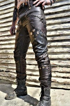 This excellent cafe racer before and after is the most inspirational and amazing idea Post Apocalyptic Clothing, Post Apocalyptic Costume, Apocalyptic Fashion, Larp, Leather Fashion, Mens Fashion, Gothic Fashion, Steampunk Fashion, Steampunk Coat