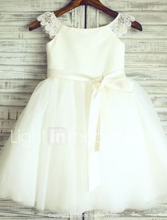 New Lace Tulle Trimmed Baby Girl Princess Flower Girl Dress Kids Dress Princess Flower Girl Dresses, Tulle Flower Girl, Cheap Flower Girl Dresses, Little Girl Dresses, Girls Dresses, Party Dresses, Tulle Flowers, Pageant Dresses, Long Dresses