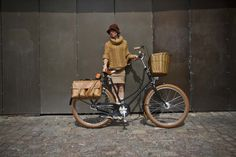 Retro Vintage Dutch-style Victoria Classic Bicycle by Velorbis
