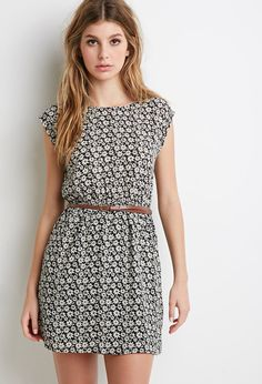 Daisy Cap-Sleeved Dress - Dresses - 2000076545 - Forever 21 EU