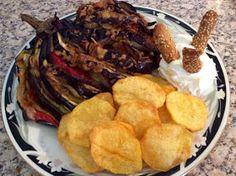 ΜΑΓΕΙΡΙΚΗ ΚΑΙ ΣΥΝΤΑΓΕΣ: Μελιτζάνα χαραχτή με γέμιση !!Οτι πιο νόστιμο !!! Greek Beauty, Dessert Recipes, Desserts, Greek Recipes, French Toast, Food And Drink, Snacks, Chicken, Meat