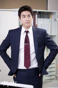 SBS Official - High Society Drama 20150616 Sung Joon, Love Stars, High Society, Korean Actors, Mens Suits, Kdrama, Singing, Suit Jacket, Kpop