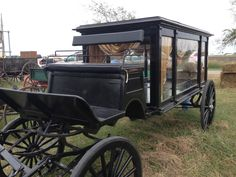 "Kelly Irvin, author of ""A Plain Love Song,"" Talks About Amish Auctions - Amish Wisdom Amish Culture, Amish Country, Love Songs, Antique Cars, Auction, Romance, Special Delivery, Country Kitchen, Bee"
