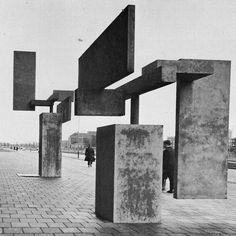 CAREL VISSER, REINFORCED CONCRETE SCULPTURE IN THE HAGUE, 1966.