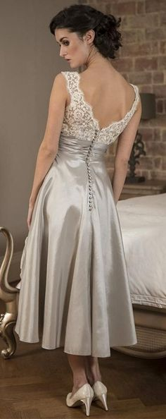 Great quality mother of the bride dress! Be special in this vintage rustic mother of the groom dress at the marriage ceremony of your children! An excellent match for a white wedding theme, you'll fit right with the bride! See more at http://www.cutedresses.co/product/v-neck-sleeveless-tea-length-mother-bride-dress/