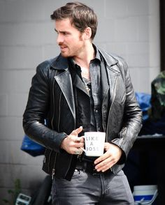 Colin O'Donoghue on set
