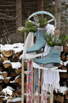 Christmas Decorations – Get 10 ideas for decorating a vintage or antique sled for wintertime home decor. Christmas Sled, Christmas Towels, Primitive Christmas, Country Christmas, Vintage Christmas, Christmas Wreaths, Christmas Crafts, Christmas Ideas, Primitive Crafts