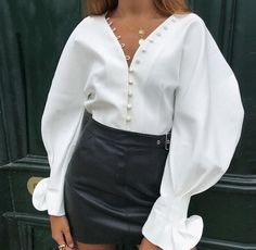 22 Modern Shirt Blouses that boost your style Trend Fashion, Modern Fashion, Fashion Outfits, Womens Fashion, Fashion 2017, Casual Chique, Style Casual, Outfits Con Camisa, Shirt Blouses