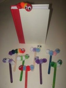 Make this 'Book Worm Bookmark Craft' to encourage student reading at independent time or at home ~ Need pom-poms, wiggly eyes, popsicle sticks, and glue. Crafts To Do, Craft Projects, Crafts For Kids, Arts And Crafts, Worm Crafts, Bookmark Craft, Bookmarks Diy Kids, Classroom Crafts, Popsicle Sticks