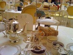 El té es la bebida más consumida mundialmente, si exceptuamos el agua. E n casi todos los países orientales, la ceremonia del té se conserv...