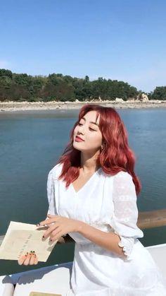 Nayeon, Twice Video, Kpop Gifs, Dance Kpop, Kpop Girl Bands, Jihyo Twice, Dahyun, Digital Art Girl, Kpop Aesthetic