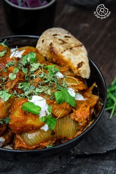 Jaipuri Aloo Pyaaz Ki Sabzi - Potato Onion Curry is made using fried potatoes and onions simmered in buttery and spicy tomato gravy. Aloo Recipes, Veg Recipes, Curry Recipes, Indian Food Recipes, Vegetarian Recipes, Cooking Recipes, Recipies, Vegetarian Curry, Potato Recipes