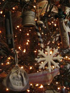 decorating with firkins | deppenhomestead1862: ~ Here & there Christmas Decorating~