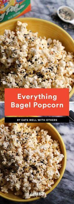 9 Party-Approved Popcorn Recipes That Aren't Just Buckets of Butter - Rezepte Ideen 2020 Gourmet Popcorn, Popcorn Toppings, Popcorn Seasoning, Popcorn Snacks, Flavored Popcorn, Popcorn Bar, Popcorn Flavor Recipes, Vegan Popcorn, Boat Snacks