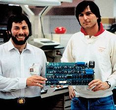 Steve and the Woz // Apple Computer founded by Steve Wozniak and Steve Jobs introduced the Apple II Steve Jobs Steve Wozniak, Film Biographique, All About Steve, Alter Computer, Steve Jobs Apple, Apple Ii, Amy, 8 Bits, Old Computers