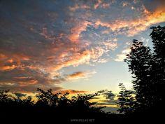 Der gestrige #Abendhimmel über #Iserlohn  #Sonnenuntergang #Wolken