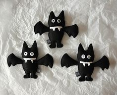 Nietoperze #kidsdesign #szaryfika #handmade #blackandwhite #toy #mascot #bat #bats