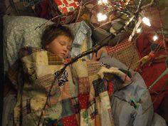 gorgeous vintage linen, sleeping under a xmas tree. cute.