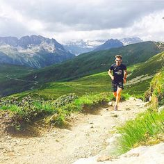 Welcome to #RunnerLand . Photo: @trailblog  Somebody beam me back to these mountains please!  .