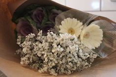 Spring is here! And where there is a gathering in the spring, flowers add a nice, and even necessary, touch. Here is a step by step process of how to create a fresh arrangement for your table. Selecting the right...