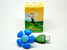 Powered by any USB port (on your laptop, in your car, etc.) this adorable scent flower provides continues aromatherapy support. Simply pop off the center of the flower and place a few drops of your favorite essential oil onto the scent pad. Then plug it in. That's it!