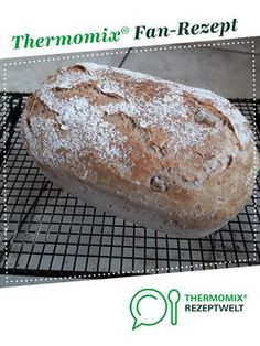 """Ein Thermomix ® Rezept aus der Kategorie Brot & B… Walnut """"Lily"""" from Kamimanna. A Thermomix ® recipe from the category Bread & Rolls on www.de, the Thermomix® Community. Pampered Chef, Paleo Dessert, Paleo Recipes, Cooking Recipes, Cooking Videos, Bread Bun, Bread Rolls, Good Smoothies, Cooking Chef"""