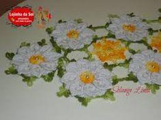 Resultado de imagem para caminhos de mesa em croche com flores e graficos Crochet Doilies, Crochet Patterns, 1, Hexagons, Mary, Crochet Table Runner, Gifts, Craft, Cup Holders