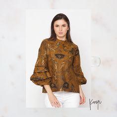 Blouse Batik, Batik Dress, Ruffle Blouse, Batik Kebaya, Batik Fashion, Ikat, Blazer, Sewing, Womens Fashion