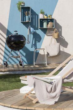 Petits rangements pratiques sur la terrasse pour un coin barbecue déco et fonctionel #terrasse #barbecue #rangement #jardin #outdoor
