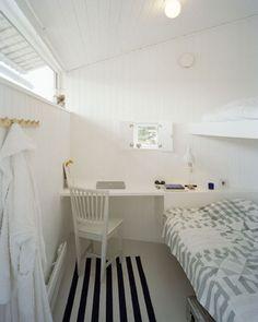 mooie indeling voor kleine slaapkamer.