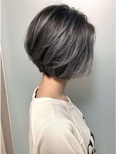 Pin on ショートボブ Medium Hair Styles, Curly Hair Styles, Grey Hair Transformation, Gray Hair Highlights, Bob Hairstyles For Fine Hair, Long Curly Hair, Great Hair, Dark Hair, Short Hair Cuts