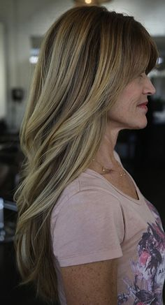 blonde hair color shades for an older lady she's got great hair