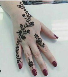 Back Hand Tattoo Mehndi Design Henna Tattoo Designs Simple, Finger Henna Designs, Henna Hand Designs, Mehndi Designs For Beginners, Modern Mehndi Designs, Mehndi Design Photos, Mehndi Simple, Mehndi Designs For Fingers, Beautiful Henna Designs