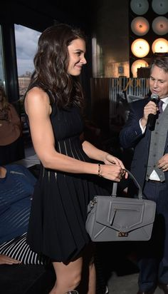 """The """"Furla Alice Bag"""" * The Katie Holmes' style becomes dynamic and elegant with the new """"Furla Alice Bag"""""""
