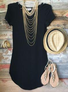 Vestido curto preto básico Maxi colar Chapéu Rasteira
