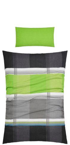Die schicke Bettwäsche »Elanus« der Marke my home begeistert uns mit einem farbenfrohen Karo-Muster. Die Farben sind harmonisch aufeinander abgestimmt und wirken so frisch und trotzdem nicht überladen. Wer also klassische Muster in Kombination mit modernen Farben mag, kann sich freuen und das Schlafzimmer direkt mit dieser Bettwäsche schmücken. Der Bettbezug und der Kissenbezug sind mit Knöpfen...