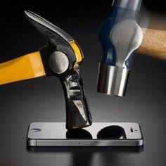 Die Schutzfolie für IPhone 5/6 ist ein praktisches und sinnvolles Geschenk für alle IPhone Besitzer. Dieser denkt ans sie, wenn das IPhone runterfällt.