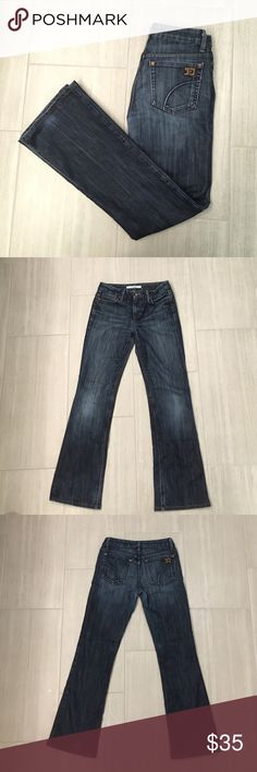 """Joe's Jeans Muse fit Women's size 26 Joes Jeans, Muse fit with Nico wash. These are in good condition, there is some wear on the right heel as well as the groin area, but no rips or tears. There's still lots of life left in these jeans.                                                  Measured flat 14"""" waist 8.5"""" rise 30.5"""" inseam Joe's Jeans Jeans Boot Cut"""