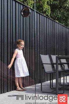 Wood Fence Design, Modern Fence Design, Door Gate Design, Timber Fencing, Metal Fence, Wire Fence, Backyard Fences, Garden Fencing, Modern Pool House