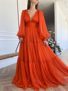 Modern Fashion Outfits, Fashion Dresses, Trendy Dresses, Cute Dresses, Drape Gowns, Fairytale Dress, Gala Dresses, Dream Dress, Beautiful Outfits