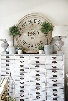 Marvelous Farmhouse Style Home Decor Idea – Futurist Architecture # DIY Home Decor farmhouse style 4 Things You Need to Know About Farmhouse Style House Design Cheap Home Decor, Diy Home Decor, Farmhouse Chic, Urban Farmhouse, Vintage Farmhouse, Shabby Chic Homes, Country Decor, Rustic Decor, Decoration