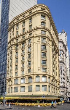 https://flic.kr/p/JgTLBS | Amarelinho | Na Cinelândia (Praça Floriano), no Centro da Cidade.  Rio de janeiro, Brasil. Tenham um excelente dia!  ______________________________________________  The Amarelinho Building  At Downtown, Rio de Janeiro, Brazil. Have a great day! :-)  ______________________________________________  Buy my photos at / Compre minhas fotos na Getty Images  To direct contact me / Para me contactar diretamente: lmsmartins@msn.com