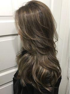 Hair trends brown hairstyles Ideas for 2019 Haircuts Straight Hair, Long Hair Cuts, Hair Color Streaks, Hair Highlights, Medium Hair Styles, Curly Hair Styles, Beautiful Hair Color, Brown Blonde Hair, Long Layered Hair