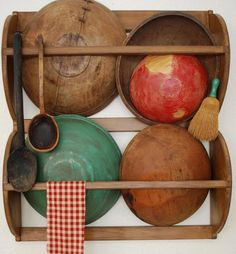 Early Antique Style Primitive Dough Bowl Rack by redroosterbab,..nice bowls...