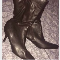Excellent condition DarkBrown calf high boots 🍂🍁 Excellent condition, calf high with shorter heel. Comfy and sleek. Fall is coming gals 🍂🍁😊🔥 Shoes Ankle Boots & Booties