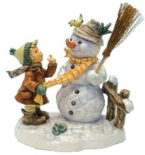 MI Hummel Winter Friend Hummel Figurine 2283/II
