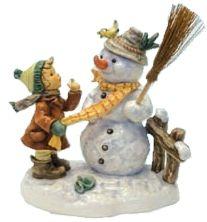 MI Hummel Winter Friend Hummel Figurine 2283/II