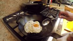 There are a lot of ways to cook up some great eggs, but a truly crispy fried egg is a whole different beast. Here's chef J. Kenji López-Alt's method for making a fried egg that perfectly balances crispy egg whites with a creamy yolk. Egg Recipes, Brunch Recipes, Breakfast Recipes, Healthy Recipes, Recipies, Breakfast Ideas, Healthy Food, Egg Dish, Food Hacks